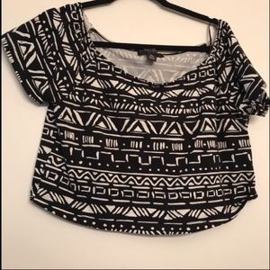 Forever 21+ Black& White Tribal Cropped Top 3X